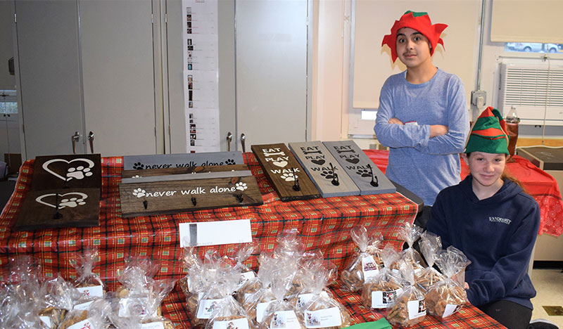Connetquot Students Host Holiday Craft Fair